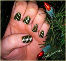 Christmas Tree with Ornaments by KookylmhNails