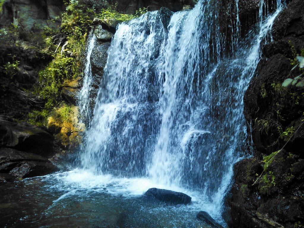 Idyllic Falls by Mariestel