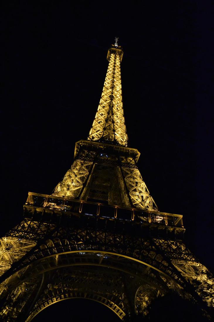 Eiffel Tower by Mariestel