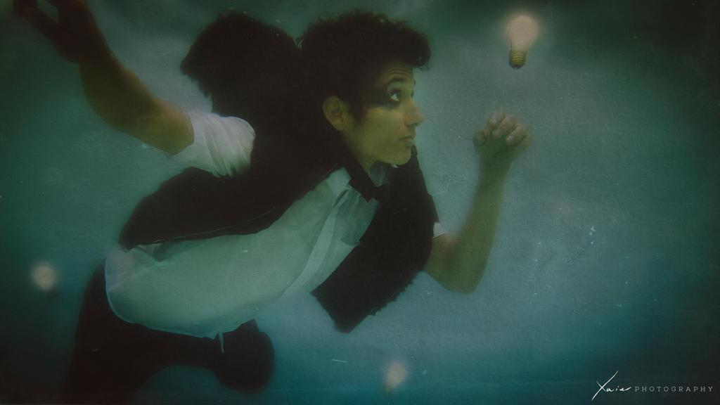 Underwater fireflies by aviFerra