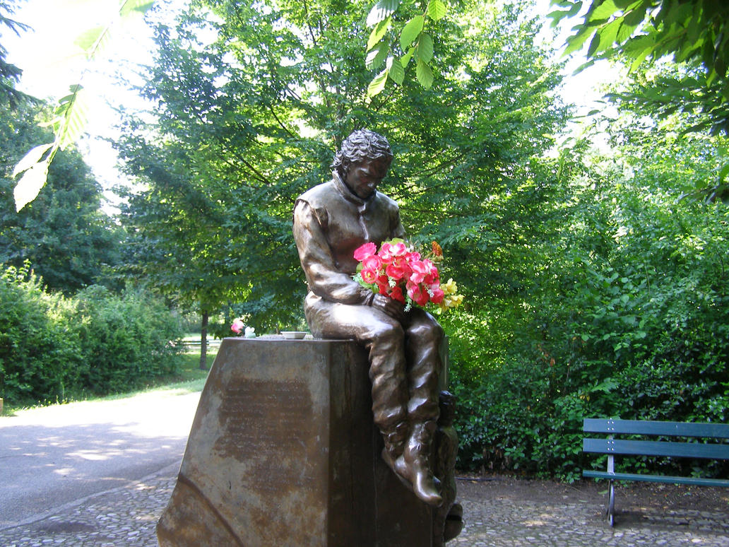 Ayrton Senna Statue Picture 2 by cynderfan35