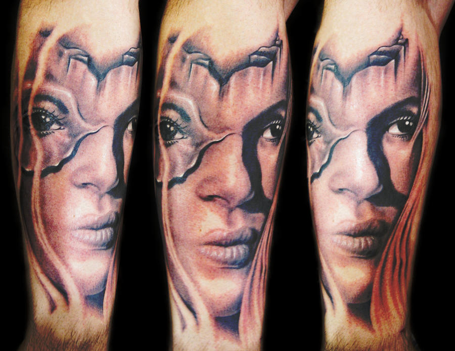 girl tattoo