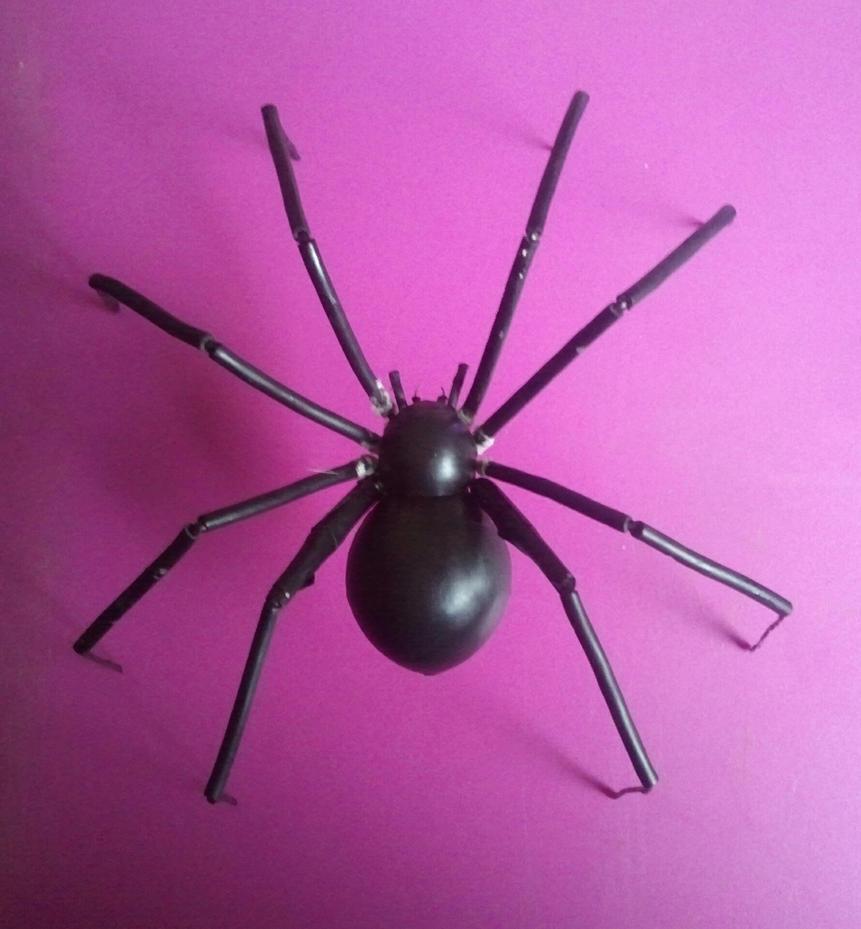 Giant Poseable Black Widow Spider 2 by BenorianHardback26