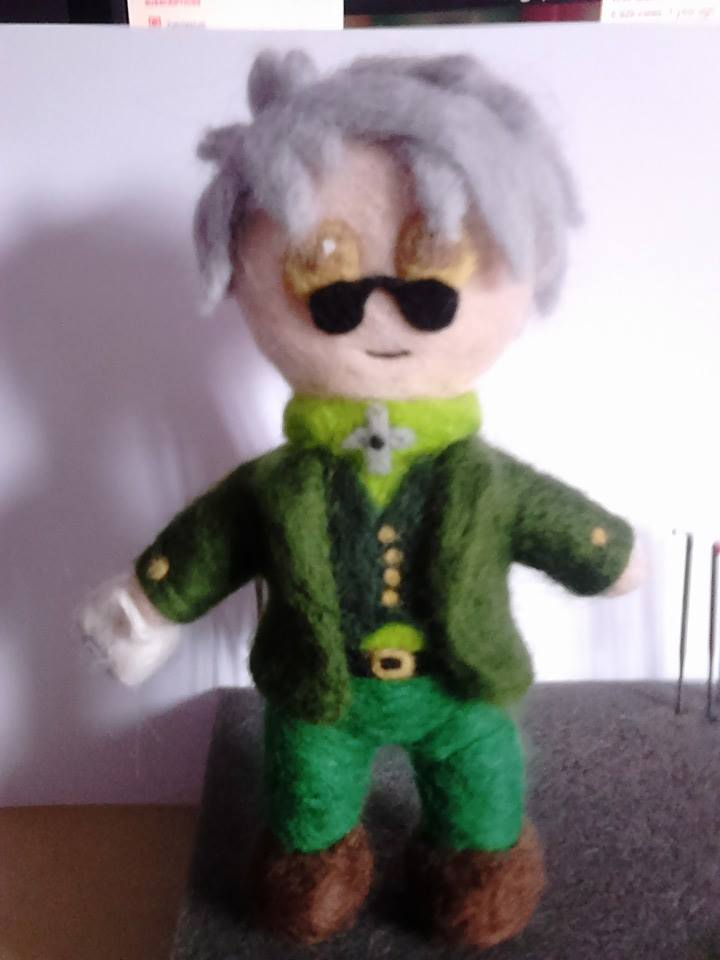 Ozpin felted plush (RWBY) by beccaelric