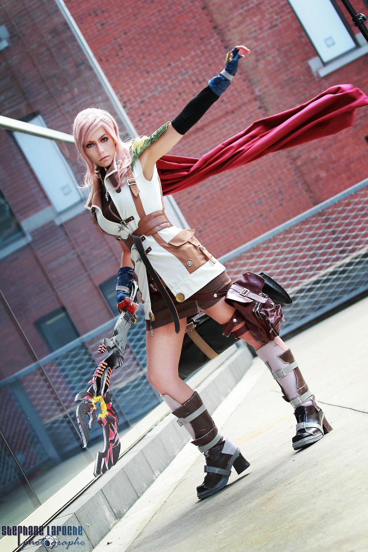 Cosplay Lightning Final Fantasy XIII by Queen-Azshara