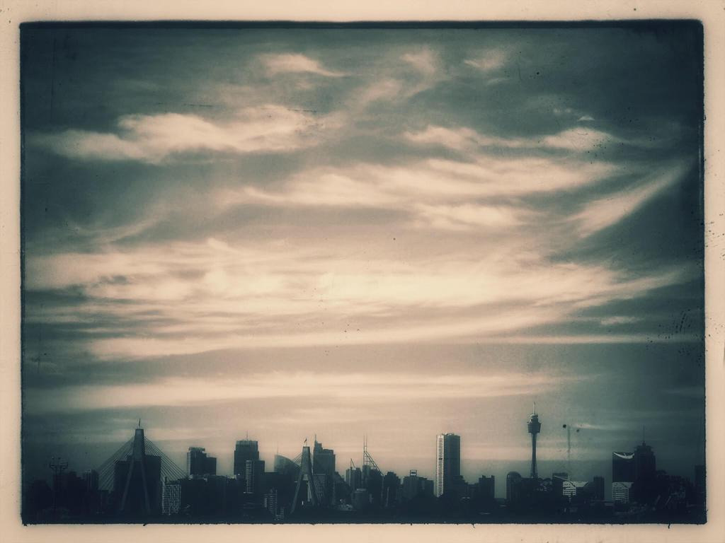 Sydney. by Geoperno