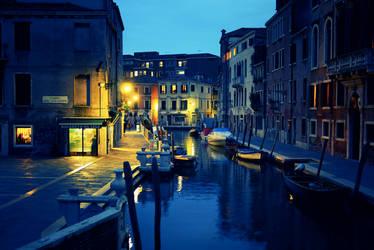 Dusk in Venice II by IsacGoulart