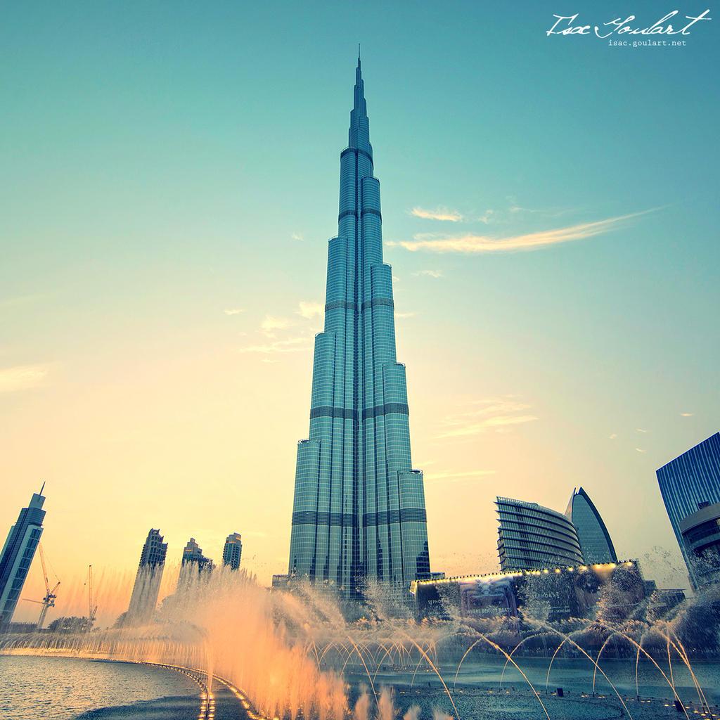 Burj Khalifa at Sunset by IsacGoulart
