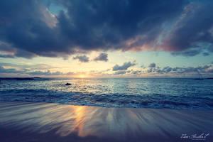 Hawaiian Dreams by IsacGoulart