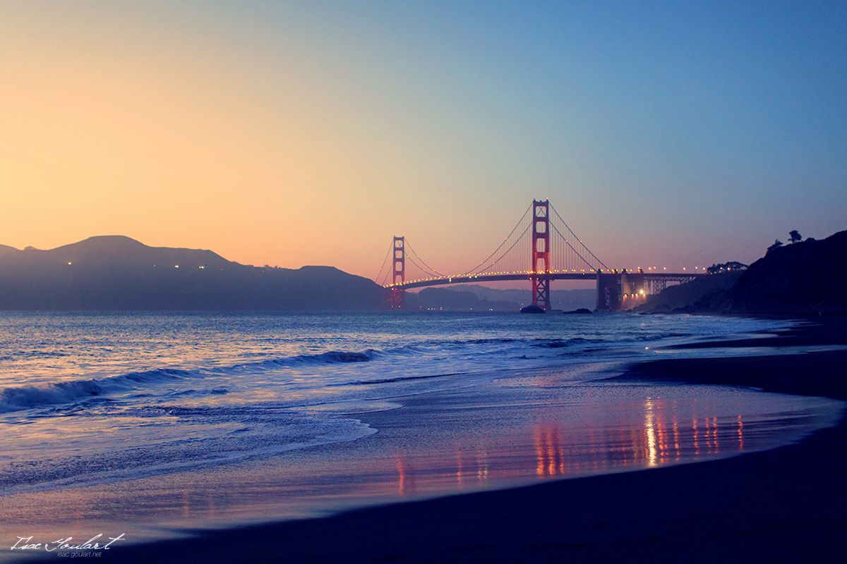 Golden Gate at Sunset by IsacGoulart