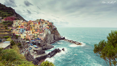 Manarola, Italy by IsacGoulart