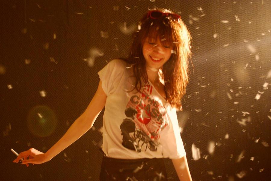 dreamy girl by mademoisellec