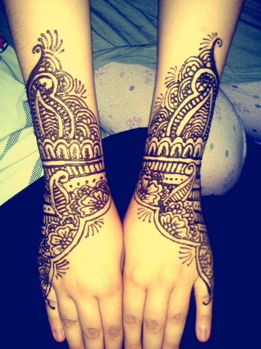 Hand Henna Tattoo Picture 4