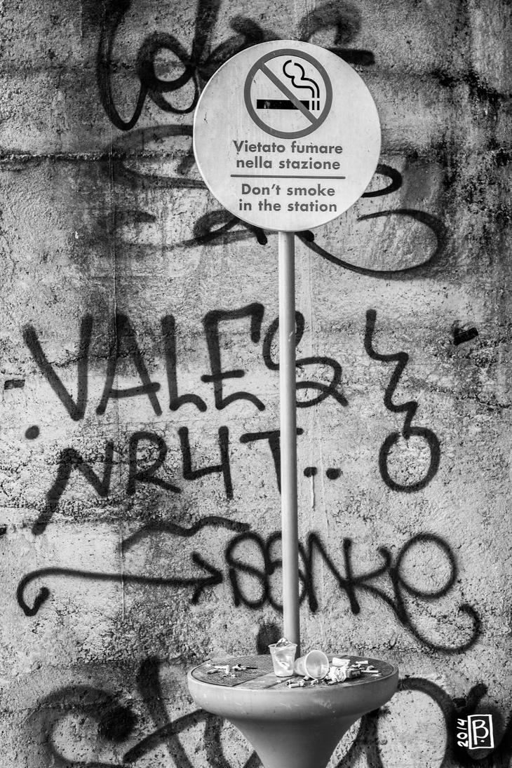 No smoking in the station by Bimtav