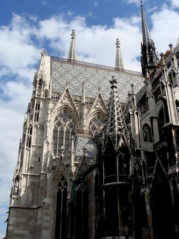 Votivkirche by Luin-Tinuviel