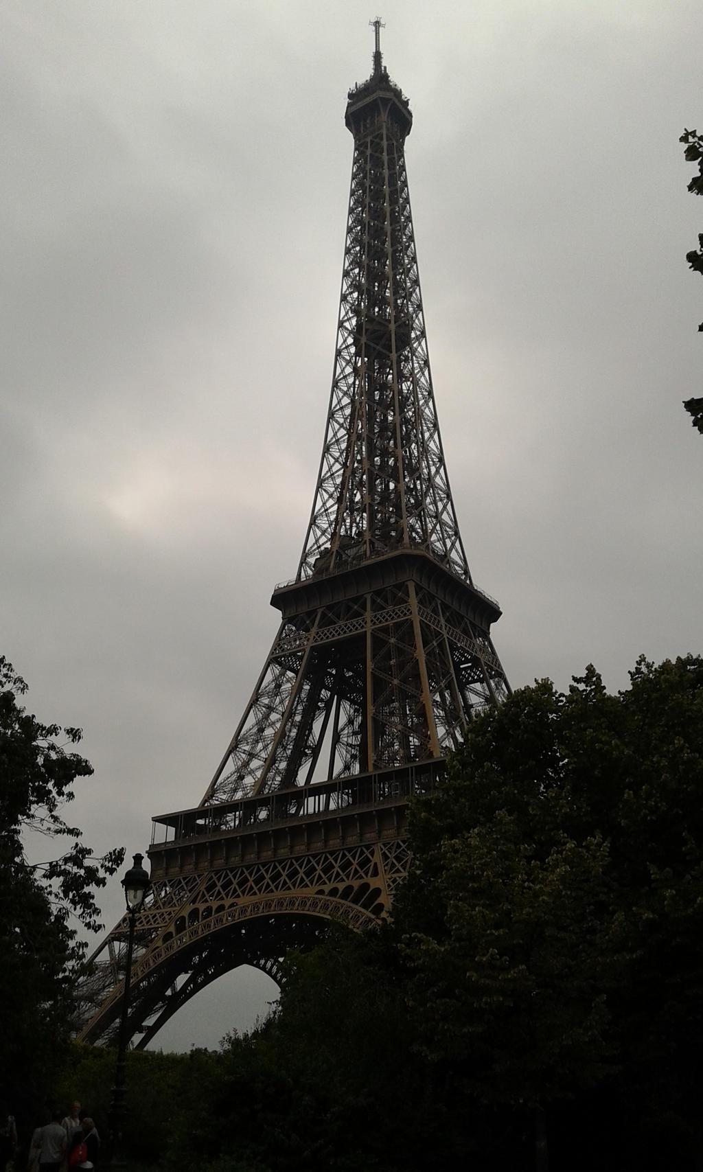 Eiffel Tower by NajaranaKryska