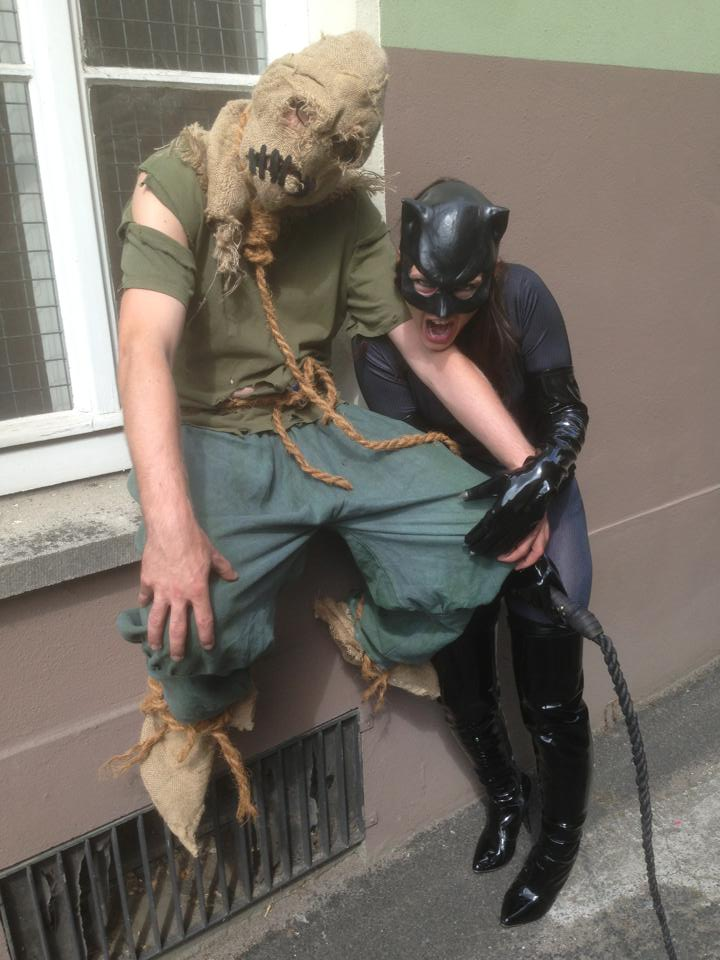 MCC: CATWOMAN vs SCARECROW (New52) Cosplay by MummeryComics on ...