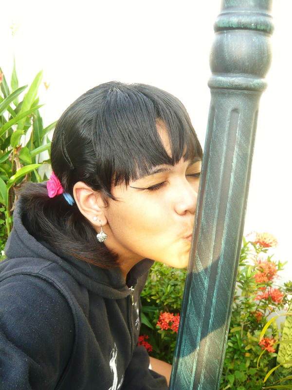 kissy kiss by d-elu