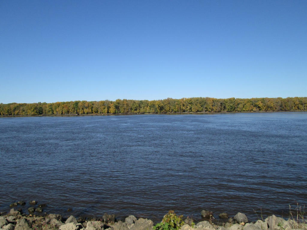 2014-10-25 Mississippi River by charliemarlowe
