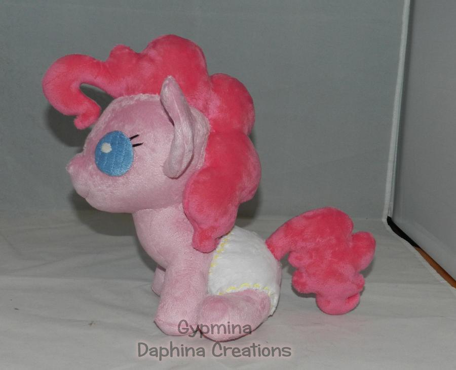 Aww....A Baby Pinkie Pie by Gypmina