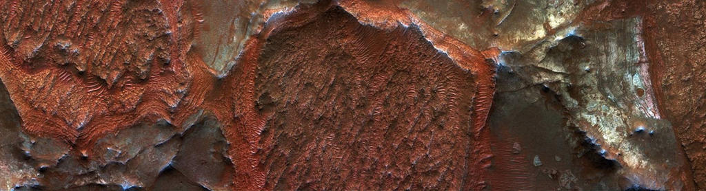 Exhumed Layers Near the Nili Fossae by Mariagat