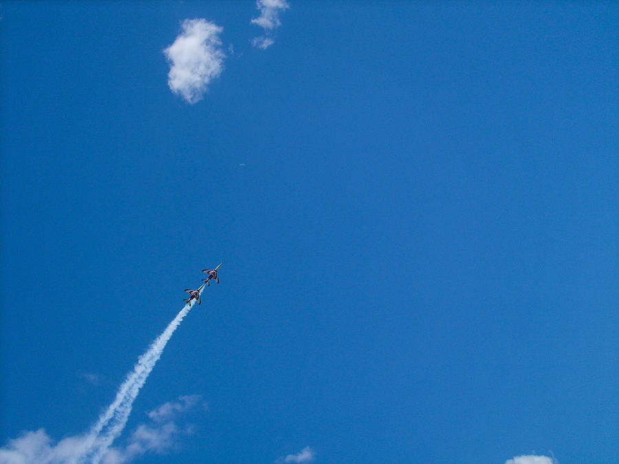 Crossing the sky by Dredmix