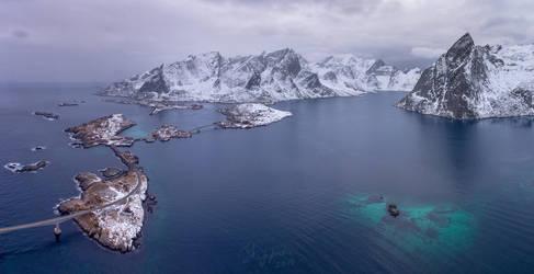 Reinefjorden. Norway. by YuppiDu