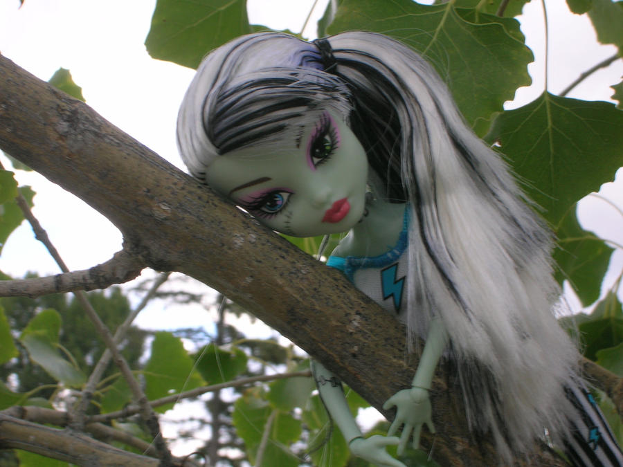 Tree Hugger by Miskumi