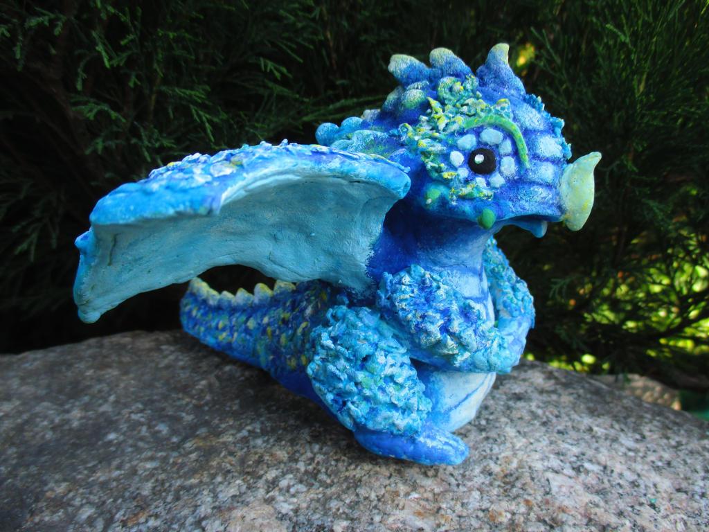 Dragon - dough sculpture by Nastjolle