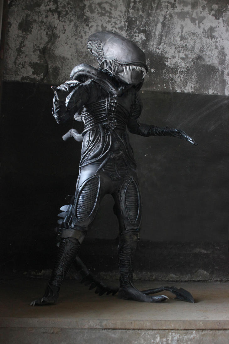 Alien 2 by KatarinAzazello