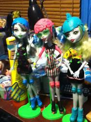 Rollermaze Girls by bluerage10