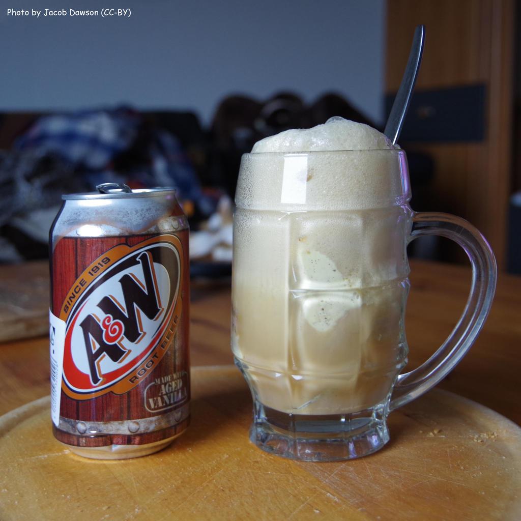 Vanilla Root Beer Pound Cake