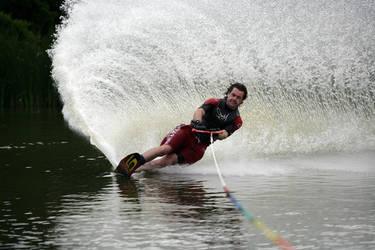 Making a splash by TakerofPhotos