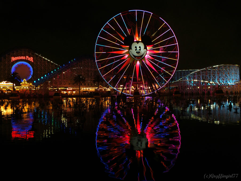 Night at Paradise Pier by Gryffingirl77