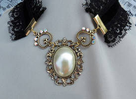 The Victorian Choker Necklace by 2ndWindAccessories