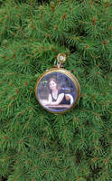 Moments Holiday Photo Ornament - SOLD by 2ndWindAccessories