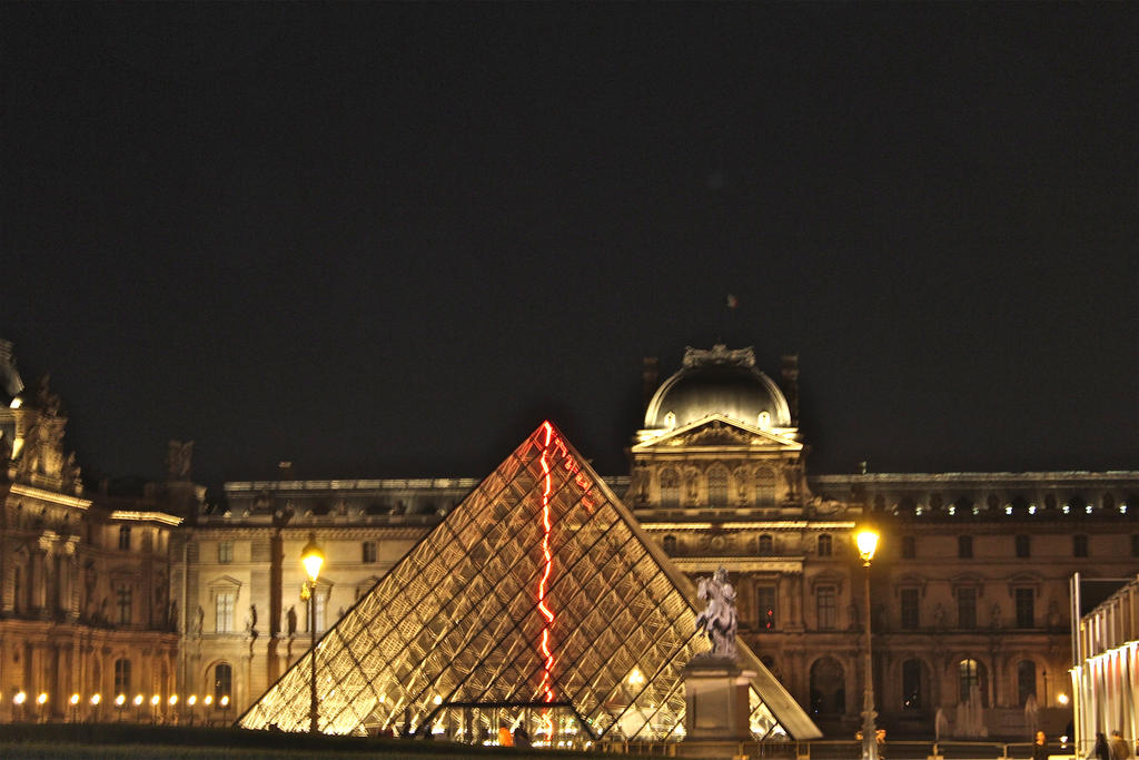 Pyramide du louvre paris by yodalaurent on deviantart - Pyramide du louvre 666 ...