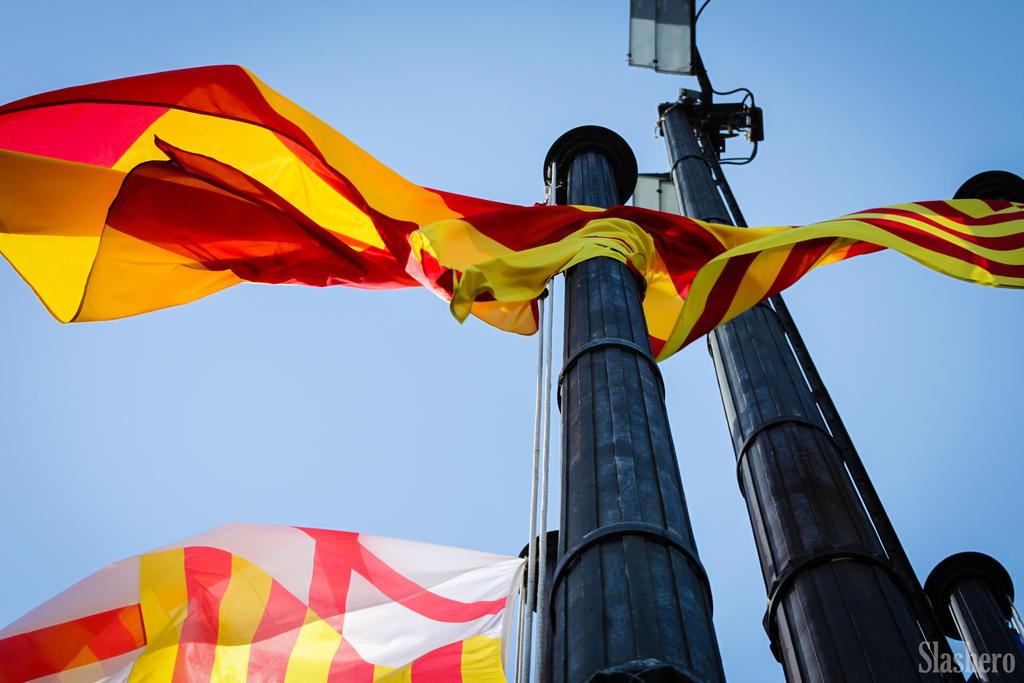 Catalonia by slashero on deviantart for Artiste peintre catalan