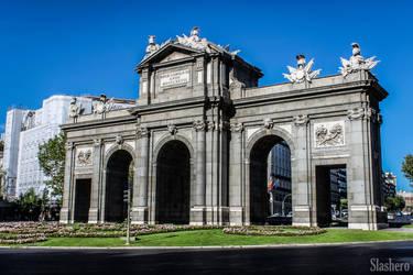 Puerta de Alcala by slashero