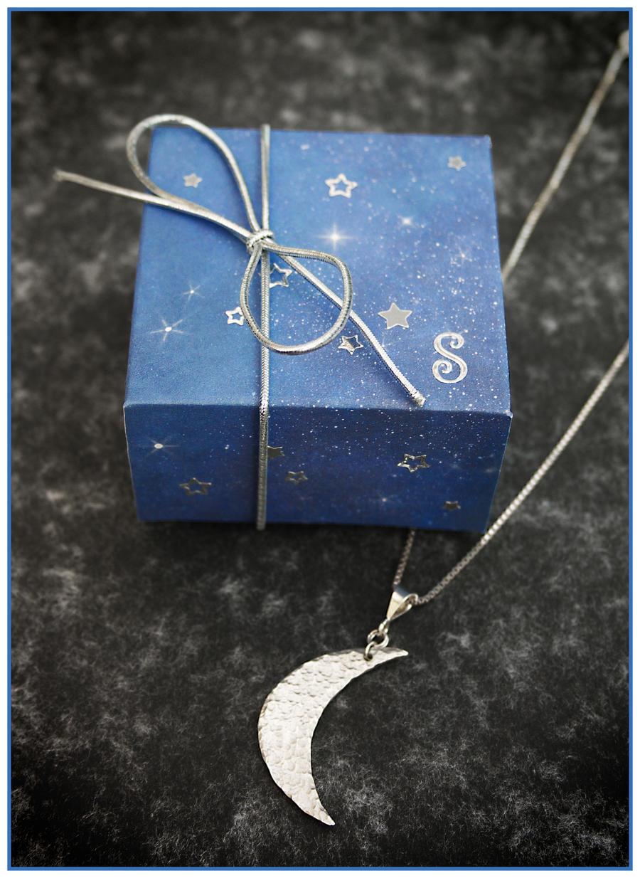 Starry Night Box by Sarahorsomeone