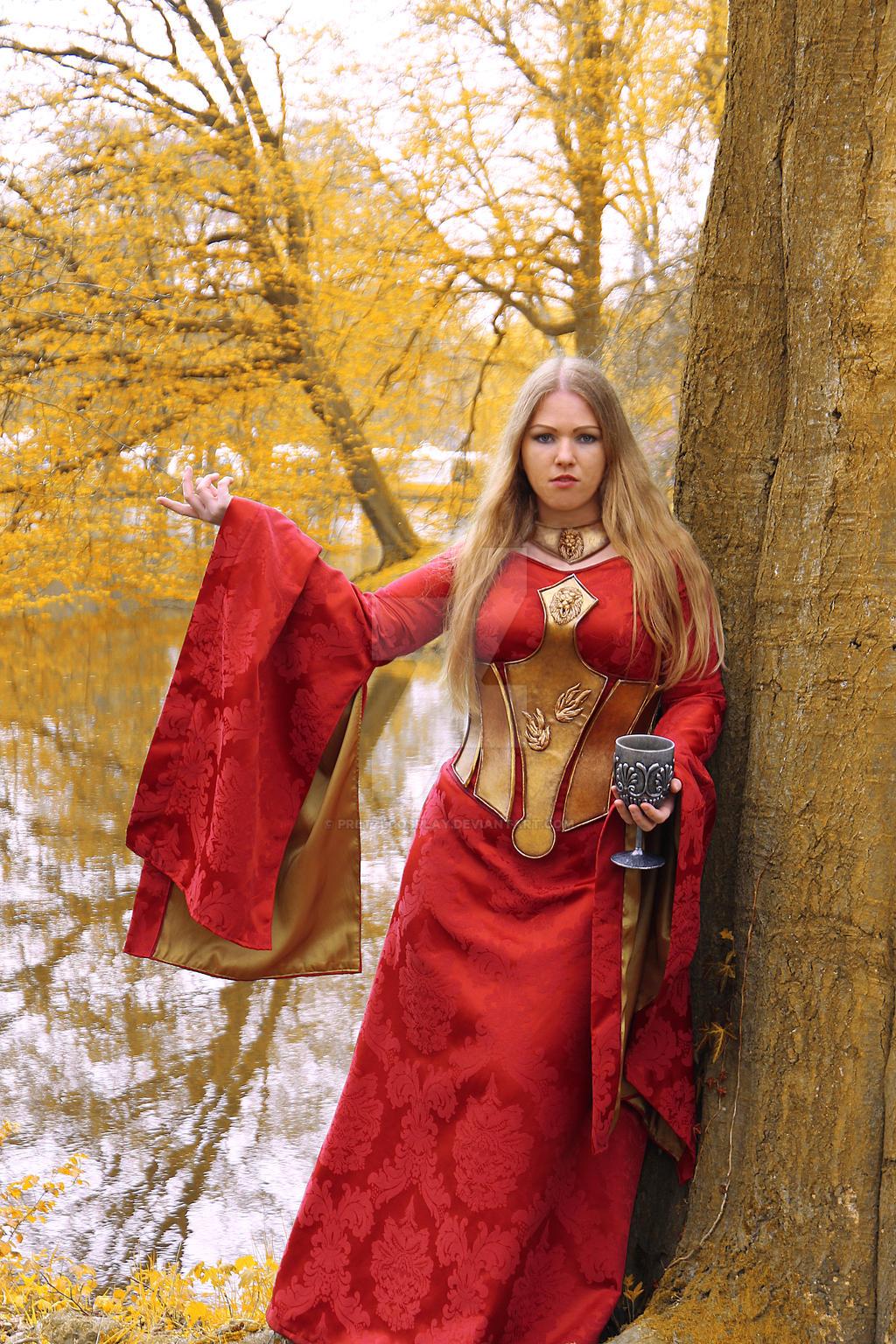 Cersei Lannister cosplay by PretzlCosplay