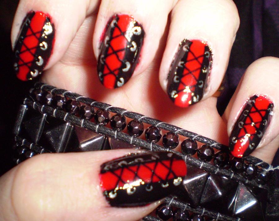 Готический дизайн на ногтях