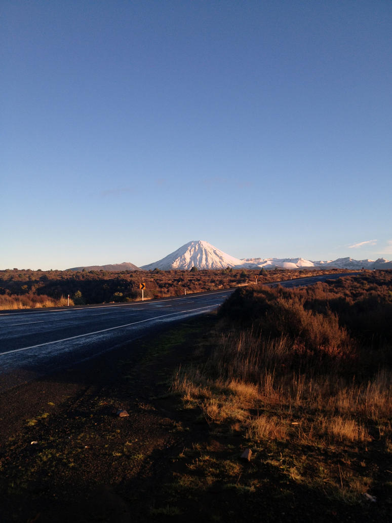 Mount Ngauruhoe by jacobiteghost