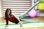 Sanni lifts a leg in Portugal by Lynxander