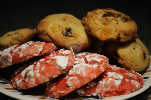 Mixed plate of cookies
