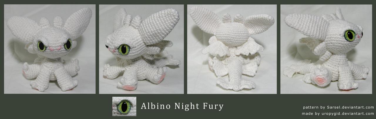 Chibi albino Night Fury by uropygid on DeviantArt