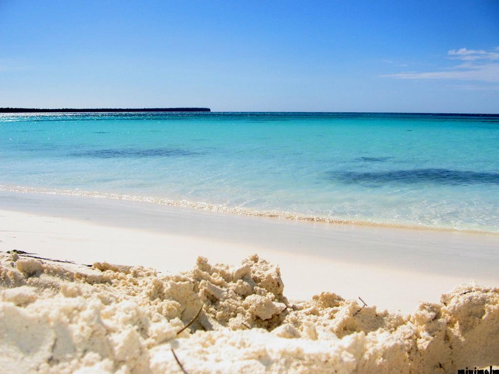 beach by mmpezzotti