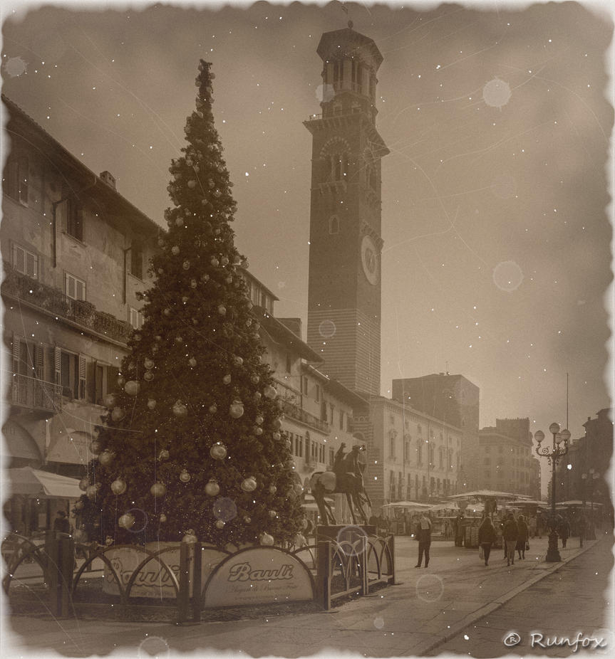 Piazza delle Erbe Old Christmas by Runfox