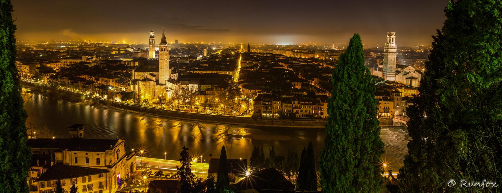 Verona at night by Runfox