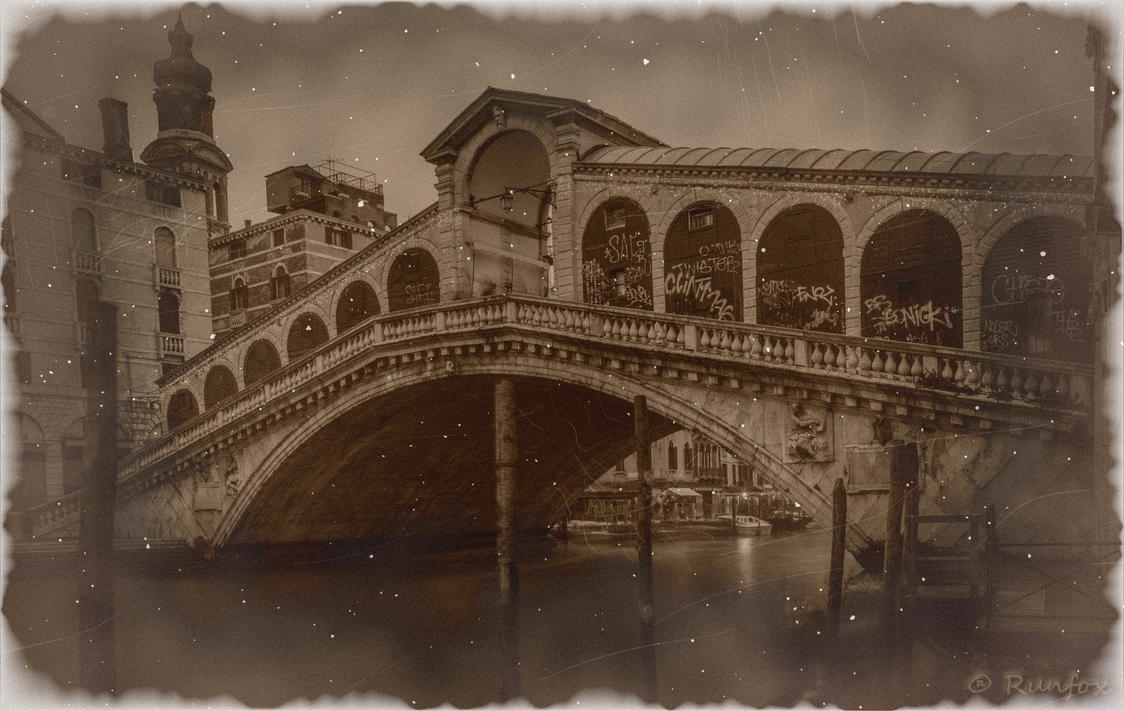 Just another photo of Rialto's bridge - Old by Runfox